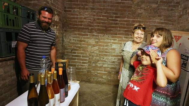 Koštování vín v Lovosicích.