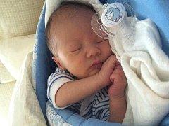 Lindě Šedinové a Janu Barnasovi z Litoměřic se 29. července v 8.54 hodin narodil v Mělníku syn Matěj Barnas. Měřil 50 cm a vážil 3,23 kg.