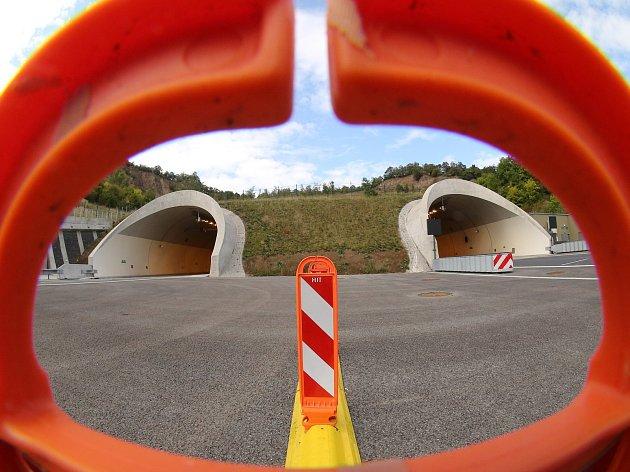 Dálnice D8 je nyní kompletně otevřena.