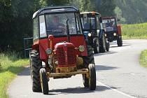 Sraz traktorů a historických samohybů v Drahobuzi na Úštěcku