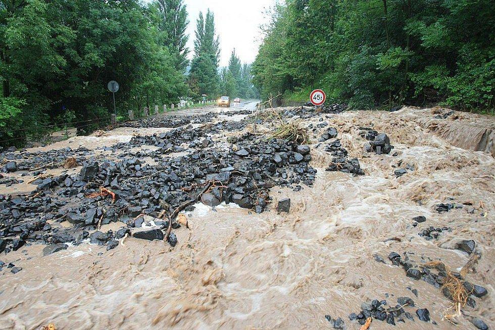 Sobota 7. srpna 2010 - silnice mezi Sebuzínem a Ústím nad Labem.