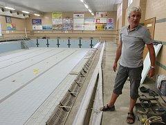Opravy v litoměřickém bazénu.