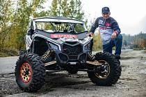 Pětinásobný vítěz Dakaru Josef Macháček pojede s buggynou jako nový člen týmu Buggyra.