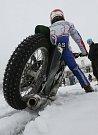 Závod Mezinárodního mistrovství ČR družstev na ledové ploché dráze v Labe aréně v Račicích.
