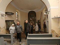 Zchátralý kostel v Lipé má naději na opravu