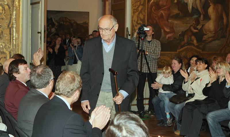 Výstavu Tři oříšky pro Popelku na Moritzburgu navštívili v roce 2009 také herci.