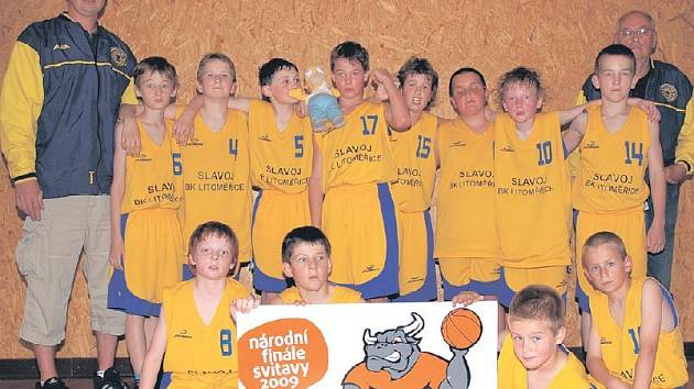 ÚSPĚCH. Basketbalové naděje Slavoje Litoměřice se při domácím šampionátu ve Svitavách blýskly parádním pátým místem.