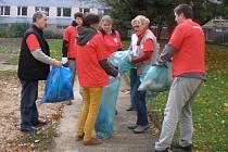 V pátek 24.10.2014 se již podruhé uskutečnil úklid v okolí Diecézní charity Litoměřice. Zapojili se jak dobrovolníci, tak pracovníci Charity.