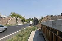 Opravovaný most u Lovochemie