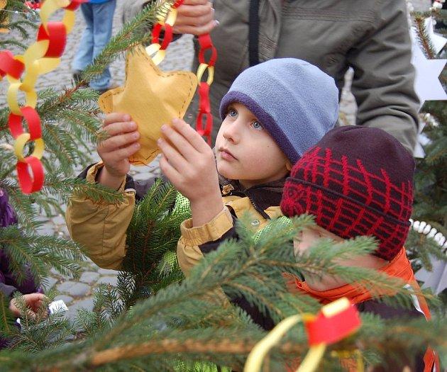 Vánoční trhy v Litoměřicích začaly.