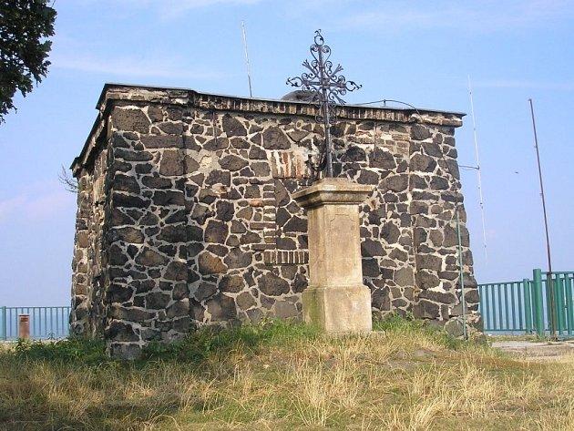 Kříž na Lovoši.