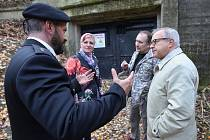 Ruský konzul na pozvání Tomáše Rotbauera navštívil Terezín a Litoměřice. V Litoměřicích se seznámil s místem koncentračního tábora Richard a s podzemní továrnou Richard, kde zahynuli i ruští zajatci.