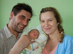 Andree a Miroslavu Hatkovým z Litoměřic se 2. dubna v 11.01 hodin narodil v Litoměřicích syn Šimon Hatka (52 cm, 3,5 kg).