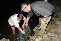 Na rybáře v okrese vyrazily kontroly.