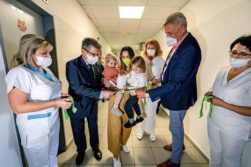 Slavnostní otevření nového zázemí porodnice v roudnické nemocnici.