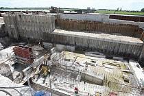 Stavba litoměřické vodní elektrárny.