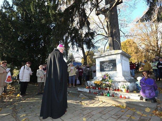 Na zemřelé vzpomněl také biskup Baxant