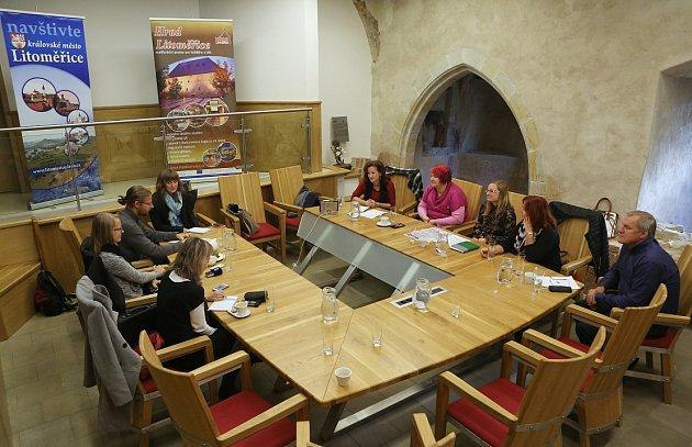 Tisková konference kukončení turistické sezony vLitoměřicích proběhla ve zdejším hradu