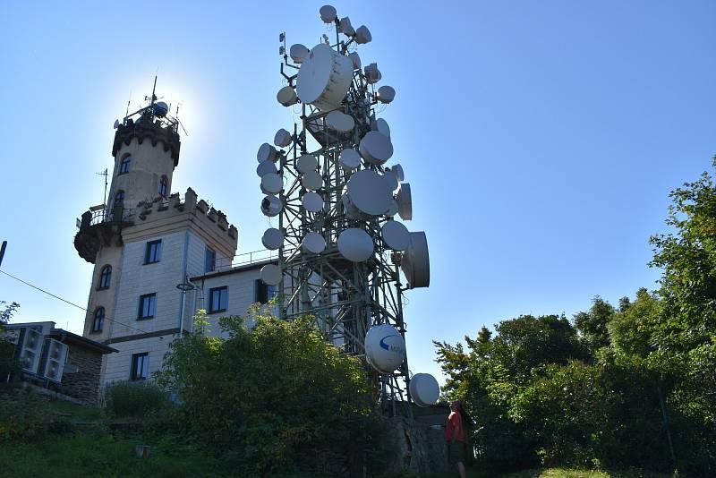 Rozhledna s observatoří na Milešovce