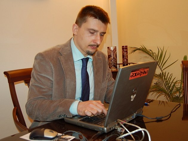 Josef Bakeš odpovídá na otázky čtenářů.