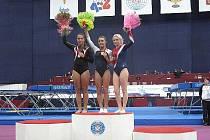 Fotografie vítězek : dívky 15-16 let, zleva 2.MADIGAN Mariah (Kanada), 1.VINSANT Savannah(USA), 3. GLEBOVA Nadezhda (Rusko).