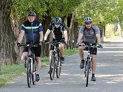 Labská cyklostezka ve Velkých Žernosekách. Ilustrační foto
