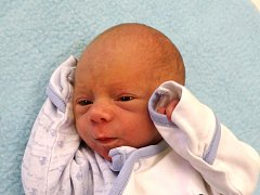 Oliver Fischer se narodil Janě a Jaroslavu Fischerovým z Lovečkovic 3.12. ve 3 hodiny  v Litoměřicích. Měřil 45 cm a vážil 2,28 kg.
