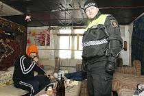 KONTROLY prováděli strážníci litoměřické městské policie během středy hned v několika vybraných lokalitách, kde se zdržují bezdomovci. Šlo například o zahrádkářské kolonie a opuštěné objekty.