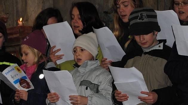 Česko zpívá koledy - Mariánský kostel v Křešicích.