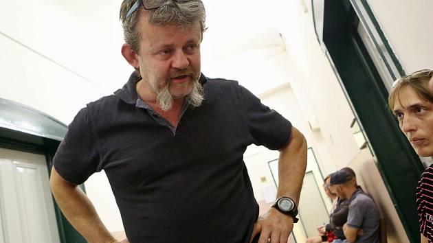 Před litoměřickým soudem opět stojí Michal Fišer ze Srdova, kterého policie obvinila, že otrávil volavku zakázaným jedem karbofuranem.