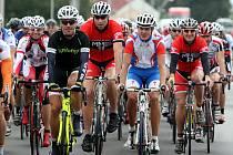 Na startu letos bylo 237 jezdců - v černém vítězný Svoboda, vedle Petr Čuchal (MMB Třebenice), Matěj Zahálka (Litoměřice), Tomáš Kellner (MMB Třebenice)  - zleva.