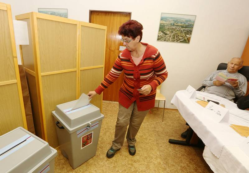 Volby v lovosickém azylovém domě