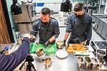 Lekce on-line vaření studentů litoměřického gastrooboru