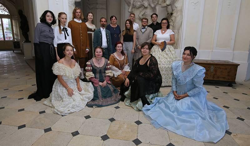 Keramické trhy a Hradozámecká noc v ploskovickém zámku.