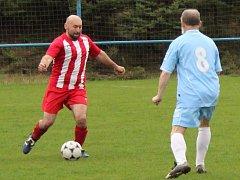 Fotbalisté starých gard pokračují v soutěžích.