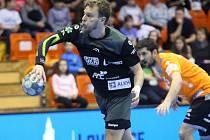 Nejlepší kanonýr extraligy Jiří Motl možná přijde poprvé v kariéře o play off.