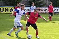 V PRVNÍM přípravném utkání porazili fotbalisté Litoměřic (s míčem Pavlíček) divizního nováčka z Loun 3:1.