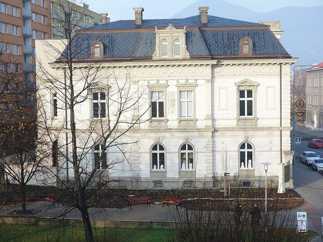 Nový záhon u Pfannschmidtovy vily v Lovosicích.