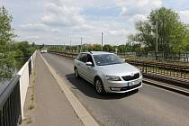 Most ve Štětí přes řeku Labe je v dezolátním stavu, papírny se chtějí spolupodílet na jeho opravě