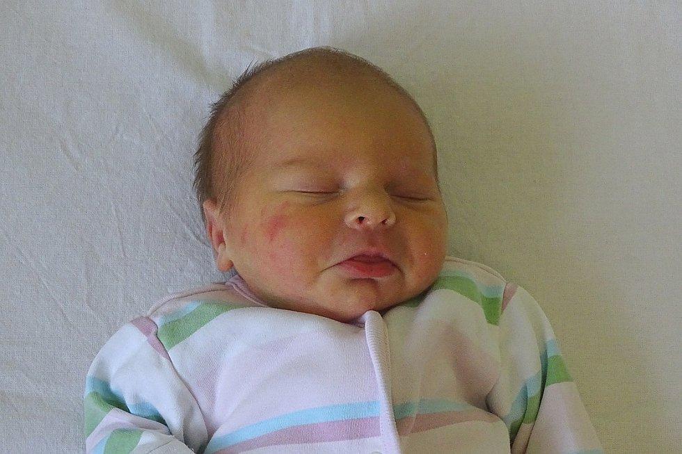 Marie Walentowiczová se narodila Věře a Milanu Walentowiczovým  z Travčic 22. října v 7.02 hodin v Litoměřicích (47 cm a 2,94 kg).