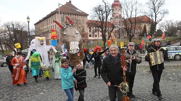 Tradiční rej masopustních masek proběhl v Roudnici nd Labem.