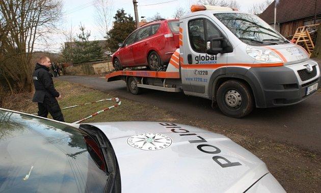 Tetčiněves - automobil, ve kterém podezřelého zadrželi