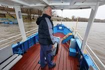 Od 2. dubna na řece mezi Malými a Velkými Žernosekami zase pravidelně pendluje loď
