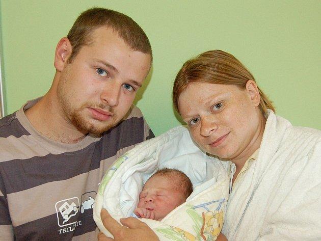Haně Urbánkové a Ondřeji Jarošovi z Třebenic se 11.7. v 10:30 hodin narodil v Litoměřicích syn Ondřej Jaroš (48 cm, 3,4 kg).