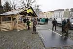 Litoměřice vyměnily původní betlém na náměstí za nový vyřezávaný.