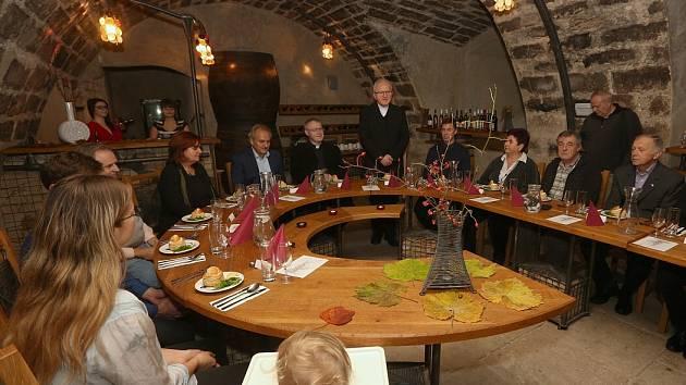 Žehnání a degustace Svatomartinských vín v litoměřickém hradu.