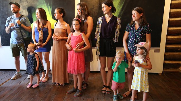 Výstava mladých umělců v Gotickém dvojčeti