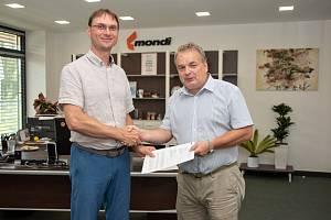 Ředitel společnosti Mondi Štětí Roman Senecký (vlevo) a starosta města Štětí Tomáš Ryšánek