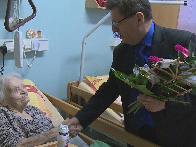 Marie Křížová oslavila v Roudnici 100. narozeniny