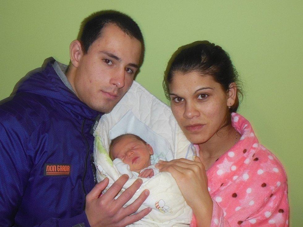 Lucii Červeňákové a Milanu Dunovi z Třebívlic se 17.12. ve 22.45 hodin narodil v Litoměřicích syn Jerremy Duna (51 cm, 3,14 kg).